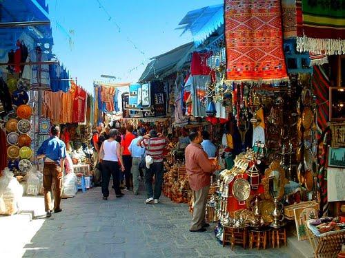 Les Souks De la médina de Tunis