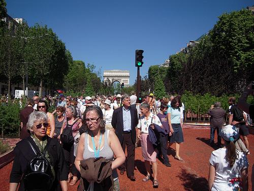 Balade dans les Champs Elysées à Paris