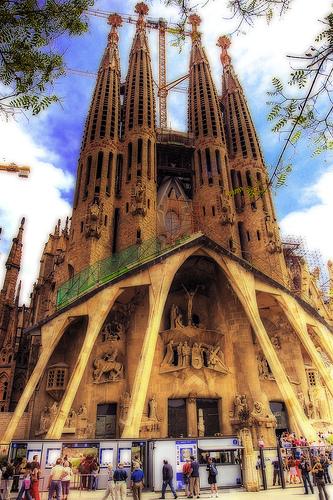 Découvrez La Sagrada Familia à Barcelone