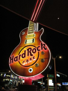 Enseigne géante en forme de guitare du Hard Rock Café de Vegas
