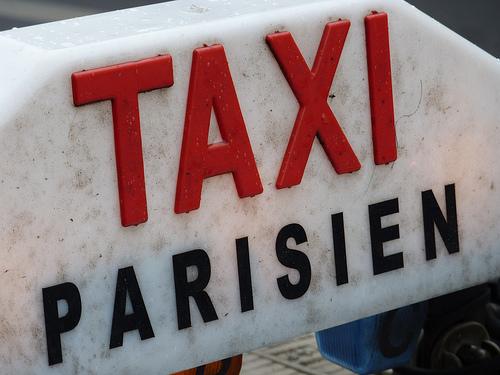 Comment réserver un taxi à Paris ?