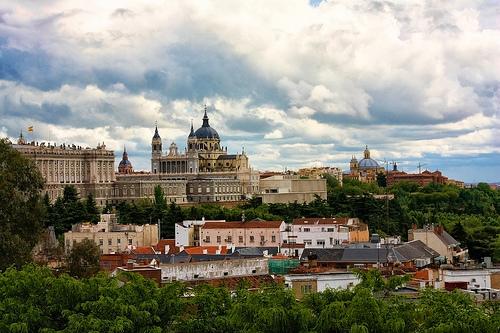cathedrale de la Almudena et le palais royal de Madrid