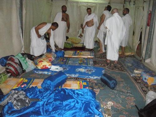 Les préparatifs du voyage sacré : quoi mettre dans sa valise pour le Hajj ?
